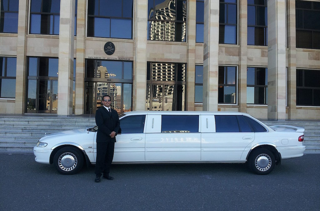 How to Hire a Limo Service Los Angeles for a Wedding