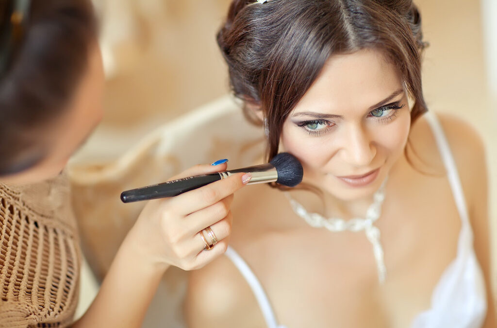 A Step-by-Step Guide on How to Become a Successful Freelance Makeup Artist